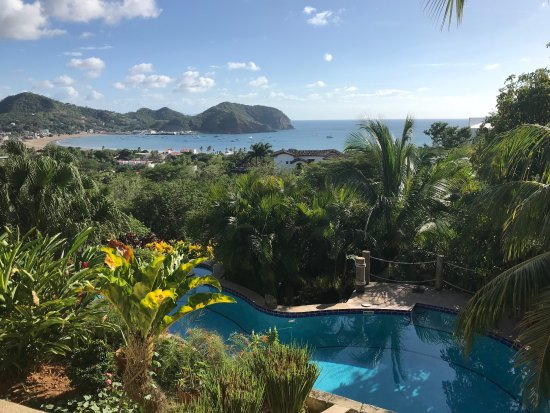 Las Palmas B&B: Perfect Pool for Dipping in after an afternoon adventure