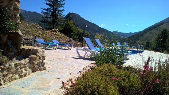 Zwembad gericht naar de vallei picture of mas du verdon