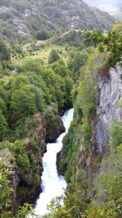 Futaleufu, Chile: Garganta del diablo sobre el río Espolón