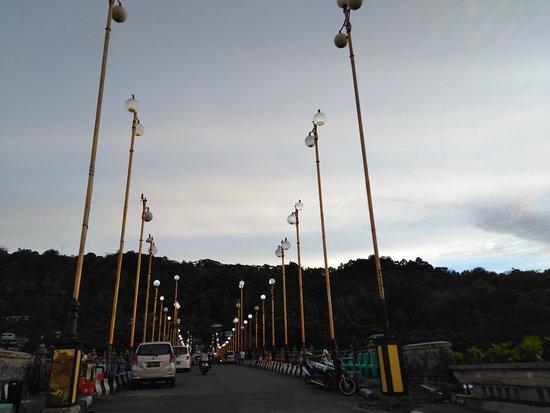 Padang, إندونيسيا: Jembatan Siti Nurbaya