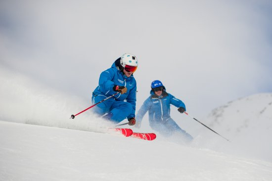 Summit Ski & Snowboard School: Awesome skiers who also have great communication and teaching skills.