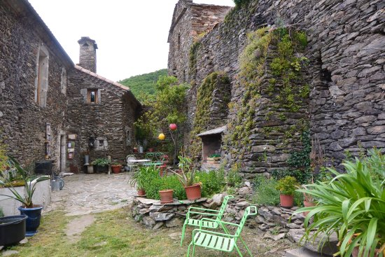 Vialas, France: notre cour