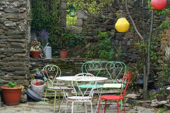 Vialas, France: petit coin lecture