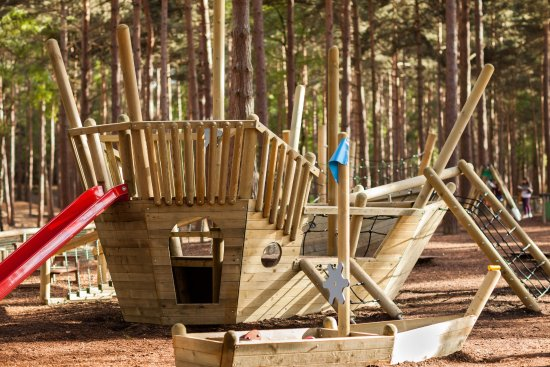 Bracknell, UK : Take sail in our all access out door play area.