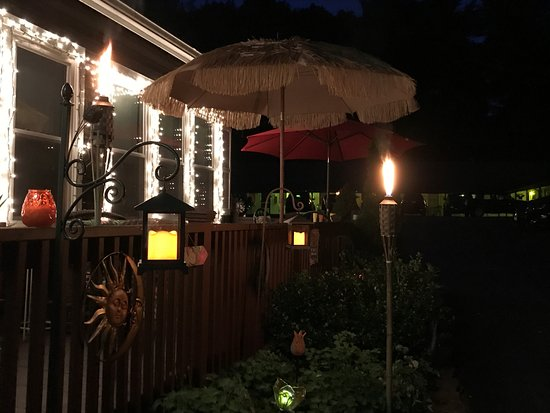 Hillsdale, NY: Hotel offfice deck