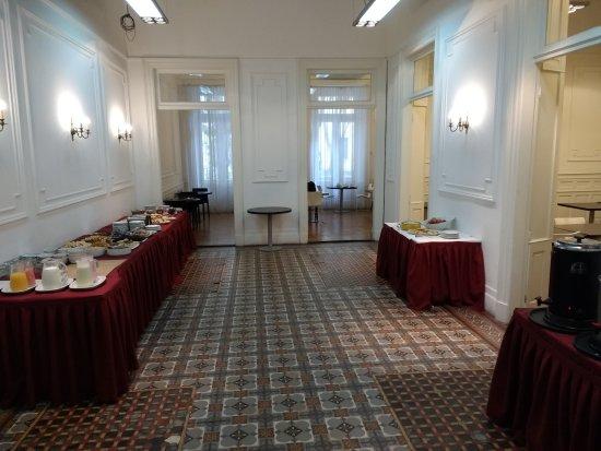 Hotel Mundial: Desayunador (lo mejorcito del hotel)