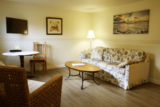 Netarts, OR: Room #3 - One bedroom suite with full kitchen and sleeper sofa.
