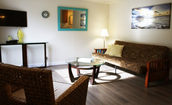 Netarts, OR: Room #5 - One bedroom suite with kitchenette and futon