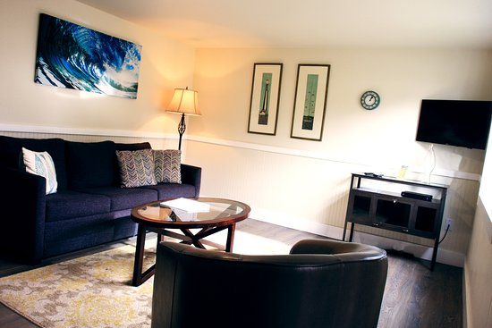 Netarts, OR: Room #6 - One bedroom suite with kitchenette and sleeper sofa
