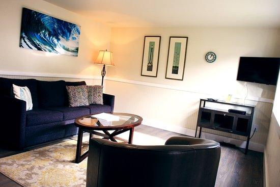 Netarts, Oregon: Room #6 - One bedroom suite with kitchenette and sleeper sofa