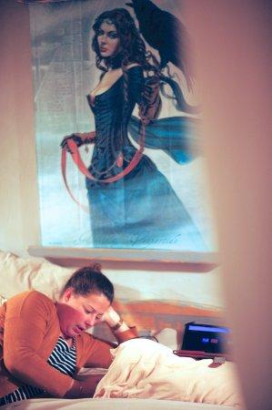 Chatres, Francia: Heerlijk lezen in de mooie kamer van het huisje