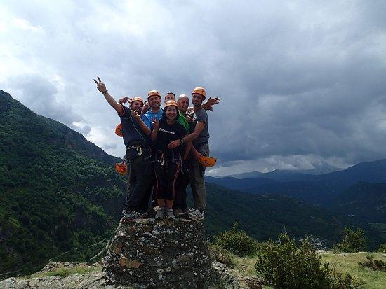 Ainsa, Spain: Actividades de aventura con Grupos de amigos. Via Ferrata de Castellaso.