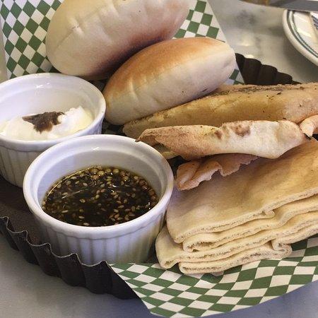 Meem Cafe: Cafe Meem Alhamra
