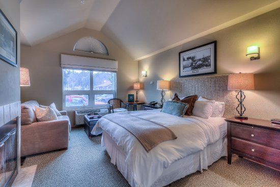 Maritime Inn: The Tides Room #3, this room has a love seat sofa sleeper