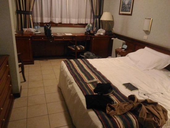 Pieve Emanuele, Ιταλία: Camera doppia (purtroppo con letto matrimoniale --> poi divisi)