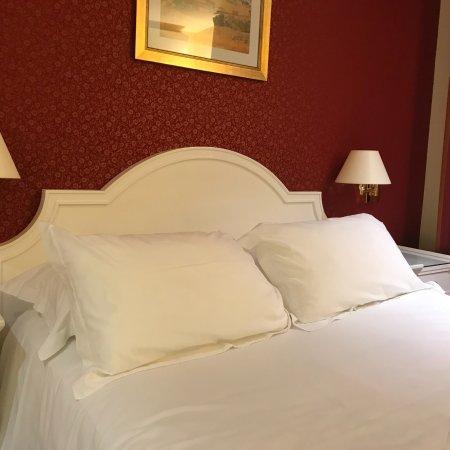 Austin's Arts et Metiers Hotel: Очень хороший отель рядом Станция метро, тихо, чисто, вежливый персонал.  Очень рекомендую для л