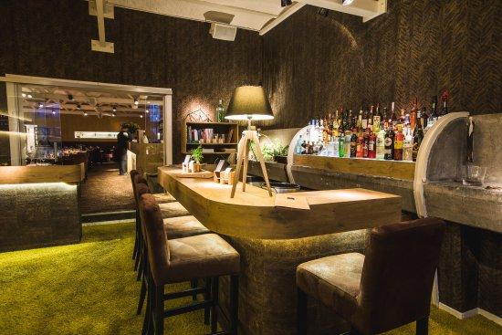 Aartselaar, Belçika: Bar M