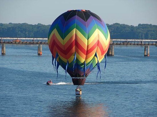 "Smithfield, VA: A nice ""splash & dash"" on the lake at Clarkesville, Virginia"