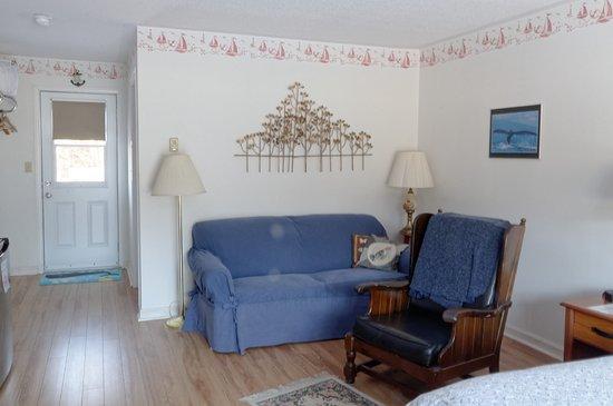 "Campobello Island, Canada: Downstairs ""Business Traveler"" Room"