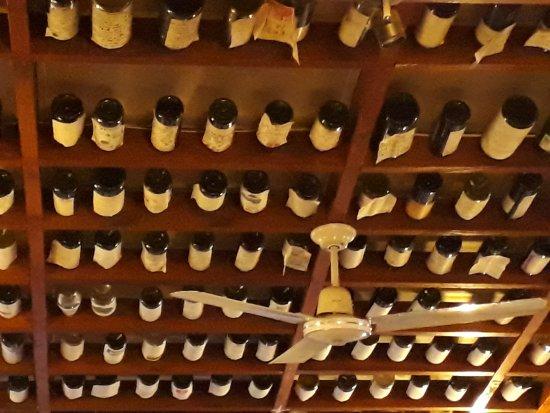 """JJ's Restaurant: """"Ein Himmel voller Flaschen"""" im JJ's"""