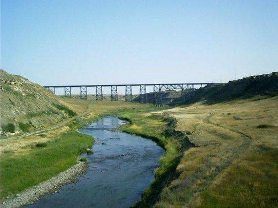 คัตแบงค์, มอนแทนา: Cut Bank train trestle over Cut Bank Creek