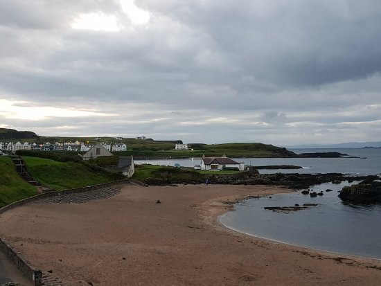 Lovely beach at Portballintrae (a 5 minute walk from No. 10)