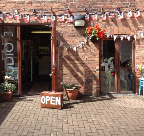 Stourbridge, UK: Welcome to Tania Holland Gallery at Studio 3!