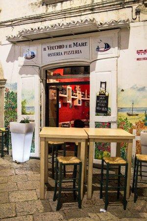 Il Vecchio e il Mare: L'ingresso del ristorante