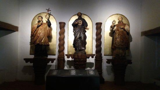 Estatuas do antigo altar de San Ignacio