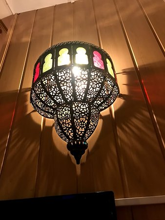 Hotel Nadia: Light fixture in room