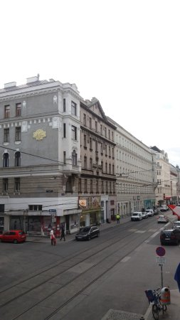 Hotel Resonanz Vienna: θέα απο τρίκλινο δωμάτιο