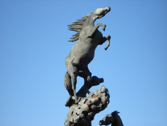 Monumento a los Caballos