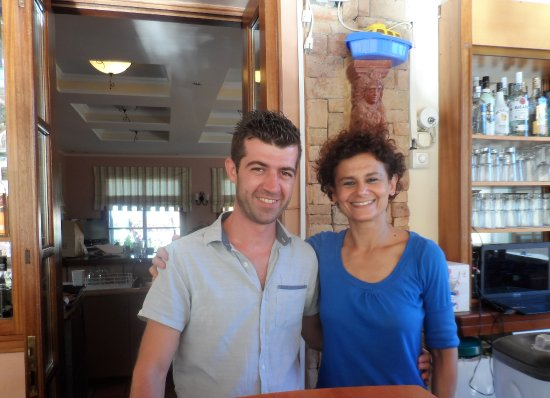 9 Muses Hotel Skala Beach: Manos and Athena, to of the wonderful staff
