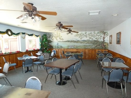 Lakehead, Kaliforniya: Dining room at Lakeshore Inn & RV