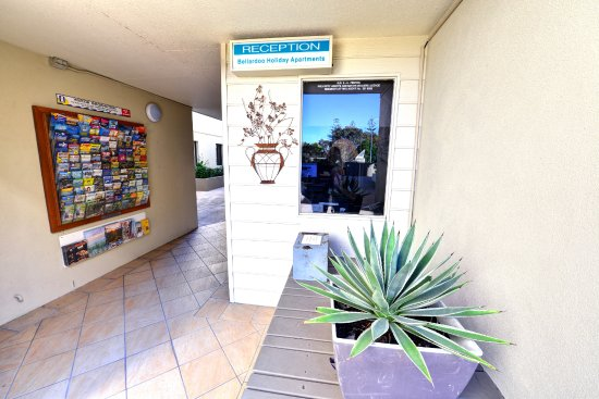 Bellardoo Holiday Apartments: Reception area
