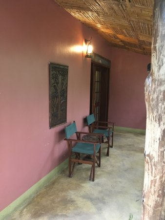 Kibale National Park, Uganda: Our private porch