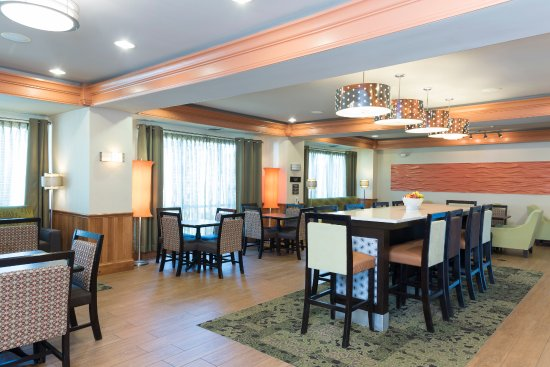 hampton inn suites mansfield south i 71 105 1 1 9. Black Bedroom Furniture Sets. Home Design Ideas