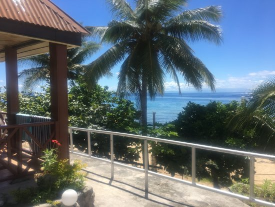 Wayalailai Ecohaven Resort: Corner of the hut and the view