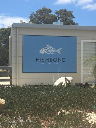 Fishbone Wines Photo