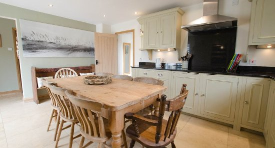 Northam, UK: House accommodation Croyde, Livit Adventures