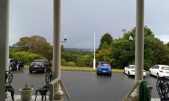 Whanganui, New Zealand: view over the front lawn from the terrace