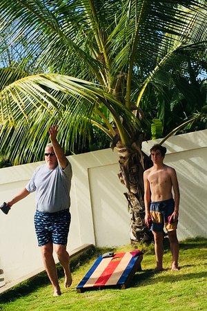 Playa Grande, Κόστα Ρίκα: First cornhole game played in Costa Rica