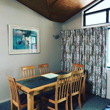 Villa 2 dinning room