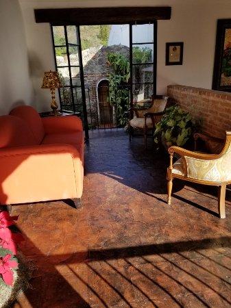 Hotel Los Pasos: 20180101_152847_large.jpg