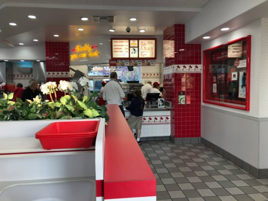 In-N-Out Burger: Inside In-N-Out Alhambra
