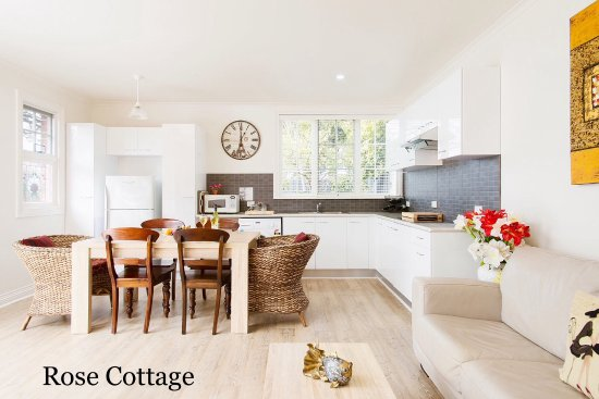 Kurrajong House: Rose Cottage - self contained cottage on grounds.
