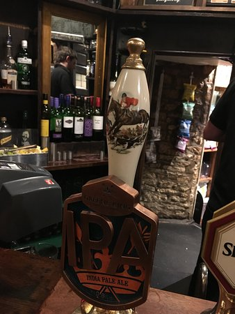 Kingscote, UK: I NEED this beer tap!