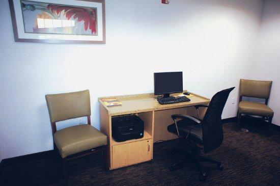 La Quinta Inn & Suites Austin at The Domain: Business center