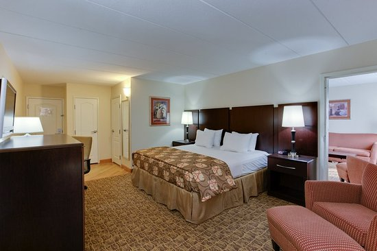California, MD: Suite