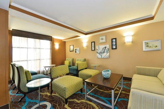 Lobby Obr Zek Za Zen La Quinta Inn Suites Greenwood Greenwood Tripadvisor